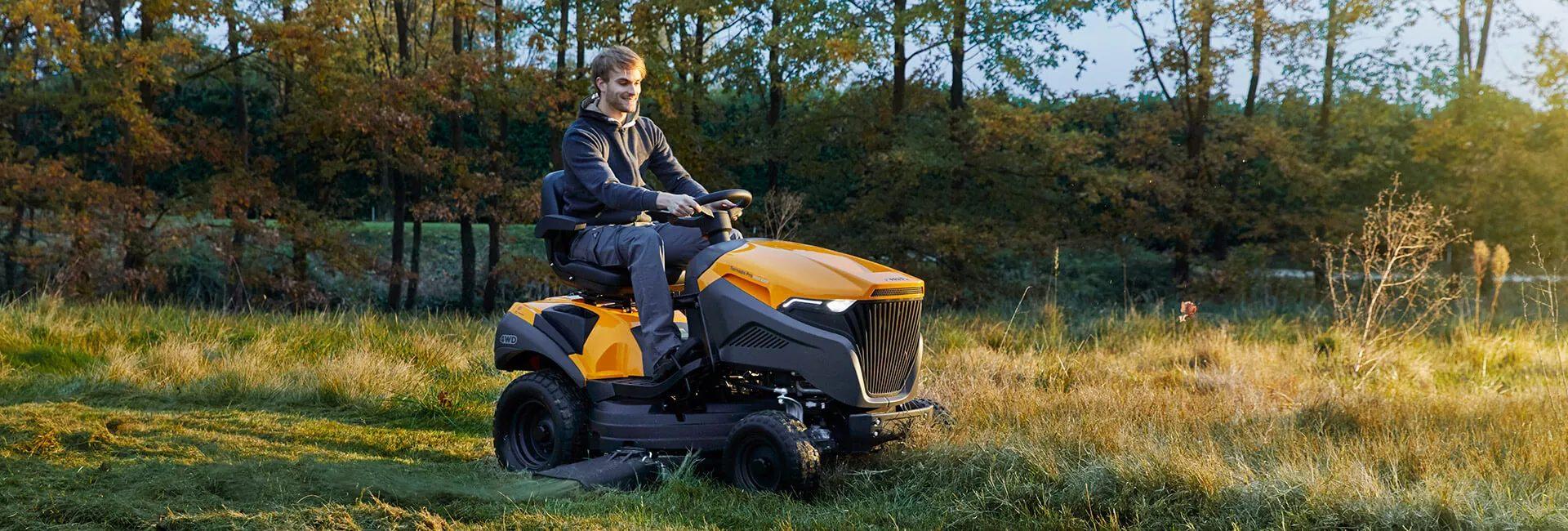 Весь ассортимент садовых тракторов Stiga